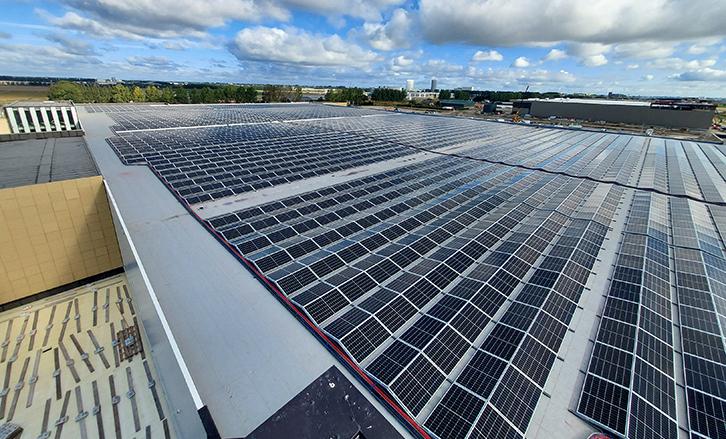 Luchthaven-Schiphol-Industrie-MR-Solar-Zonnepanelen-Realisatie-2